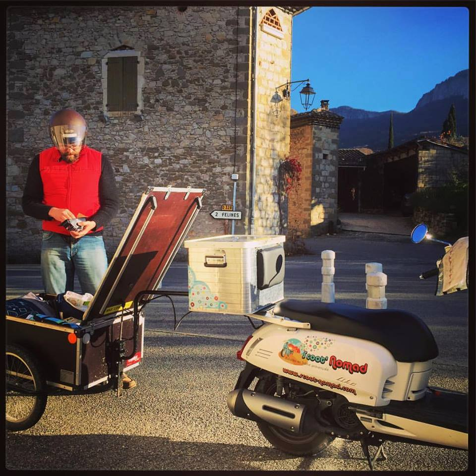 scoot nomad balade isolite scooter drome provencale tourisme 2015