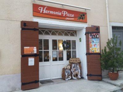 Restaurant Harmonia pizza